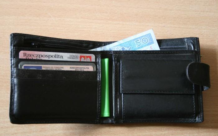 5cc929db5 Ukradła portfel z całą zawartością | Ostrowiec Świętokrzyski